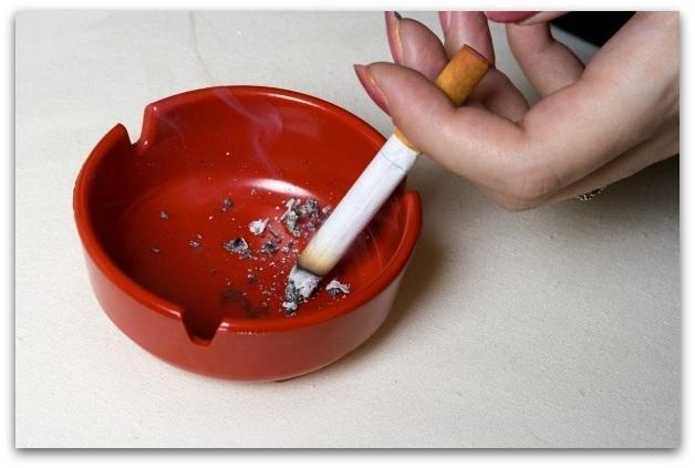 smoking-cause-stains-nikodimus