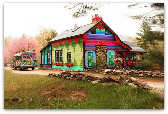 Куќа со живописна фасада